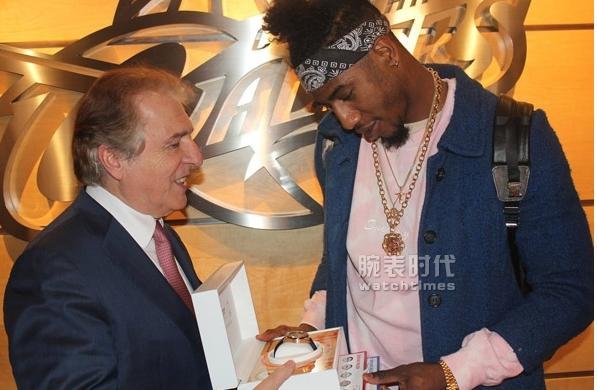 天梭推出全新NBA冠军腕表